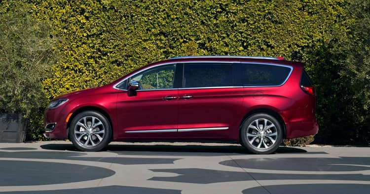 Red 2018 Chrysler Pacifica